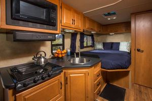 Majestic 25 ft - Motorhome - Sleeps 5
